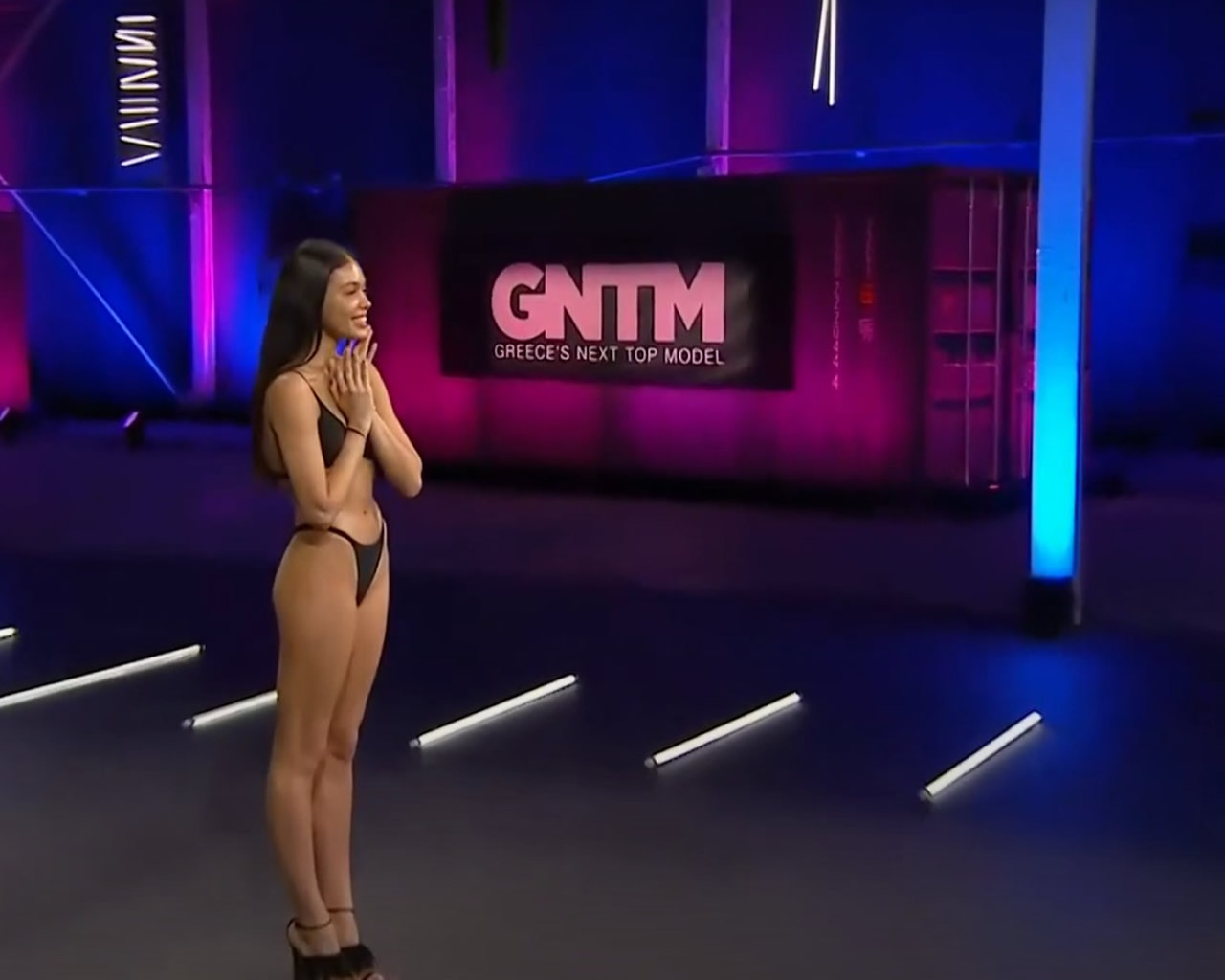 gntm Στέλλα - Βικτώρια