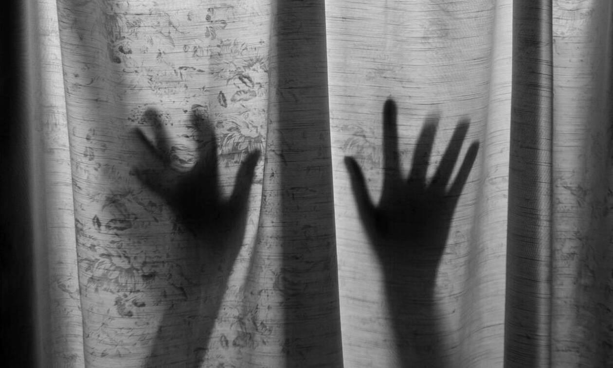 Με βίασε σε διαμέρισμα στο Μεταξουργείο - Δύο μηνύσεις  για σεξουαλική κακοποίηση
