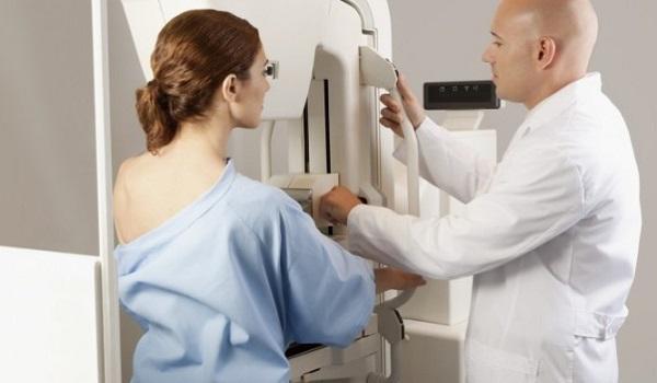 Μαστογραφία: Πόσο επικίνδυνη είναι η ακτινοβολία της εξέτασης