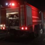 Στις φλόγες τυλίχτηκε μονοκατοικία στη δυτική Θεσσαλονίκη (video)