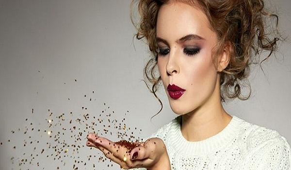 Πώς να εφαρμόσετε το μακιγιάζ σαν επαγγελματίας.  Τα απόλυτα κόλπα ομορφιάς